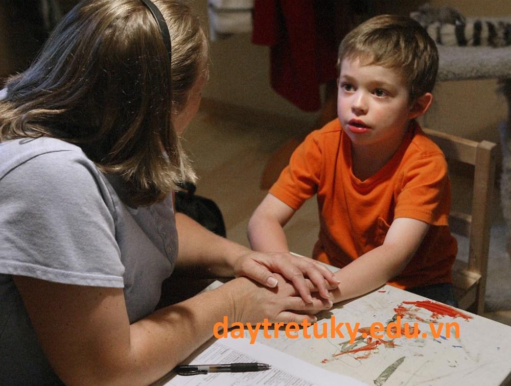 Bố mẹ có thường trách bản thân mình khi có con mắc chứng tự kỷ?