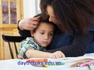 Chứng câm và ngưng nói của trẻ tự kỷ