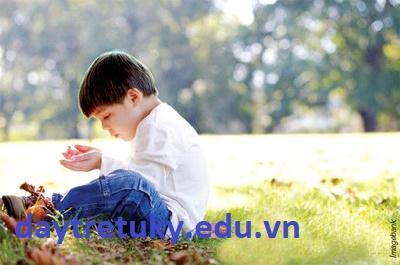 Khiếm khuyết mặt giao tiếp xã hội của trẻ tự kỷ