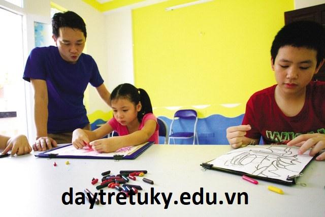Trẻ tự kỷ phát triển tri thức như thế nào?